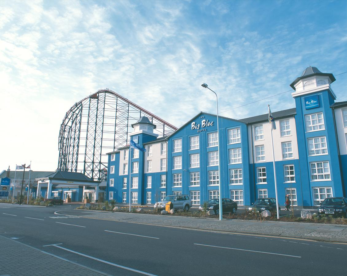 Hotel Review: Big Blue Hotel – Blackpool Pleasure Beach